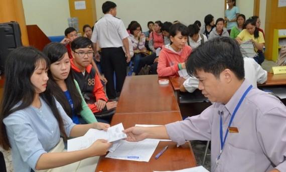 Tìm trường xét tuyển học bạ tại Hà Nội- Tìm những cánh cửa rộng hơn chào đón thí sinh.