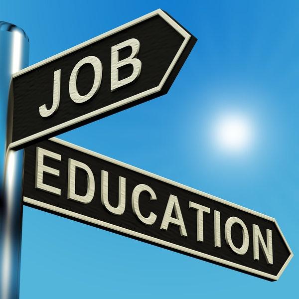 Trường đại học hay trường nghề là lựa chọn tốt nhất?
